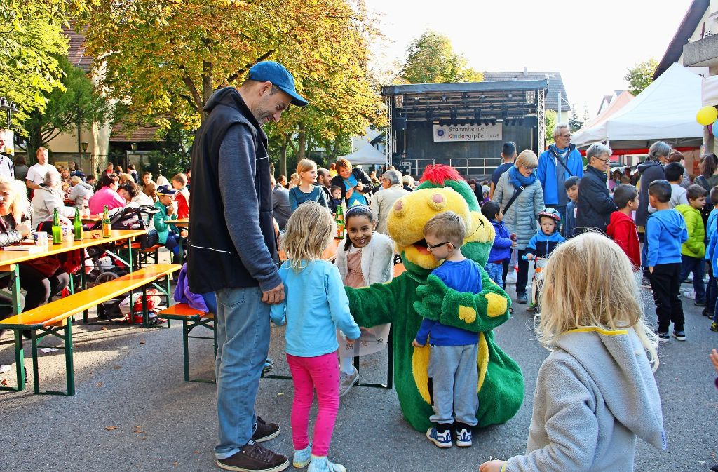 Die 25. Auflage des Kindergipfels ließ Kinderherzen höher schlagen: basteln, Maskottchen knuddeln und im Bezirk mitbestimmen war  nämlich Programm. Foto: Marta Popowska