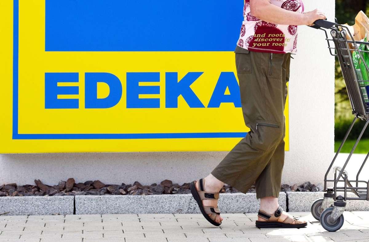 DerSupermarkt-VerbundEdeka zeigte sich erleichtert über Merkels Entscheidung. Foto: dpa/Patrick Seeger