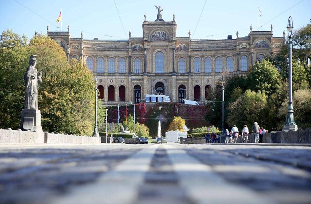 Das Maximilianeum in München: Sitz der bayerischen Hochbegabtenstiftung und des Landtags. Foto: dpa