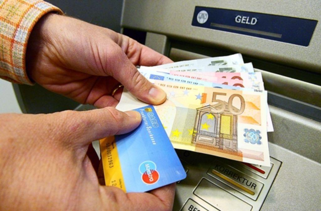 Für viele Europäer ist ein Girokonto ein Luxus. Angeblich haben 59 Millionen Bürger keines. Foto: dpa