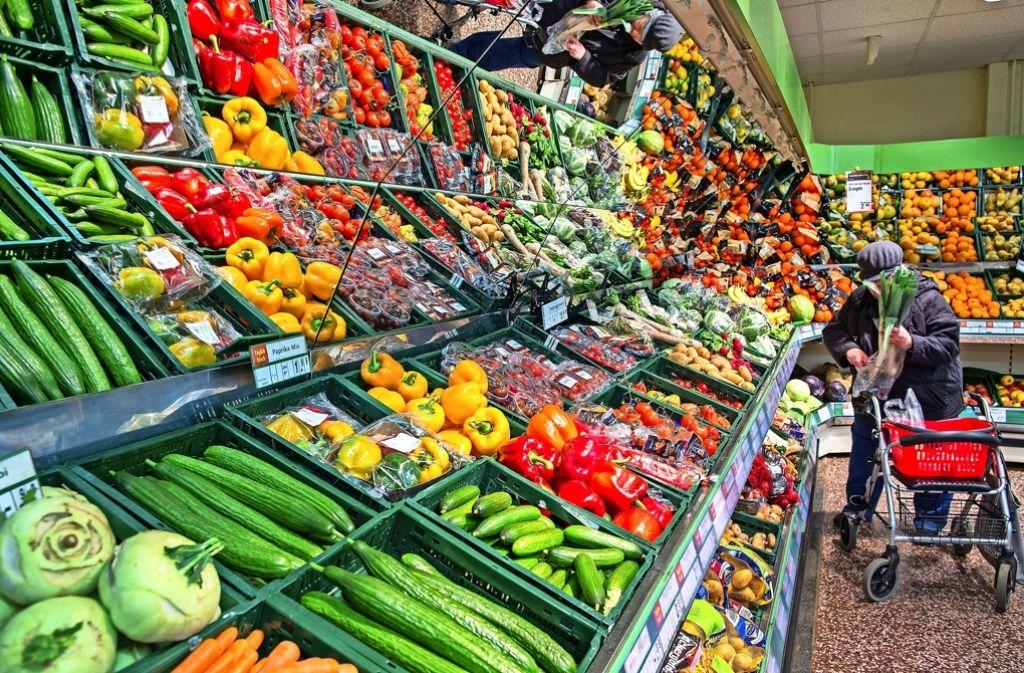 Für Obst und Gemüse weite Strecken fahren – das müssen viele Stuttgarter. Foto: dpa