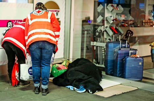 Die leeren Straßen im Lockdown erleichtern den Helfern die Arbeit