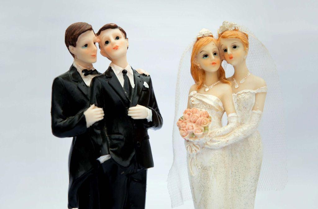 Finden in evangelischen Kirchen bald Homo-Ehen statt?  Die Synode berät darüber. Foto: dpa