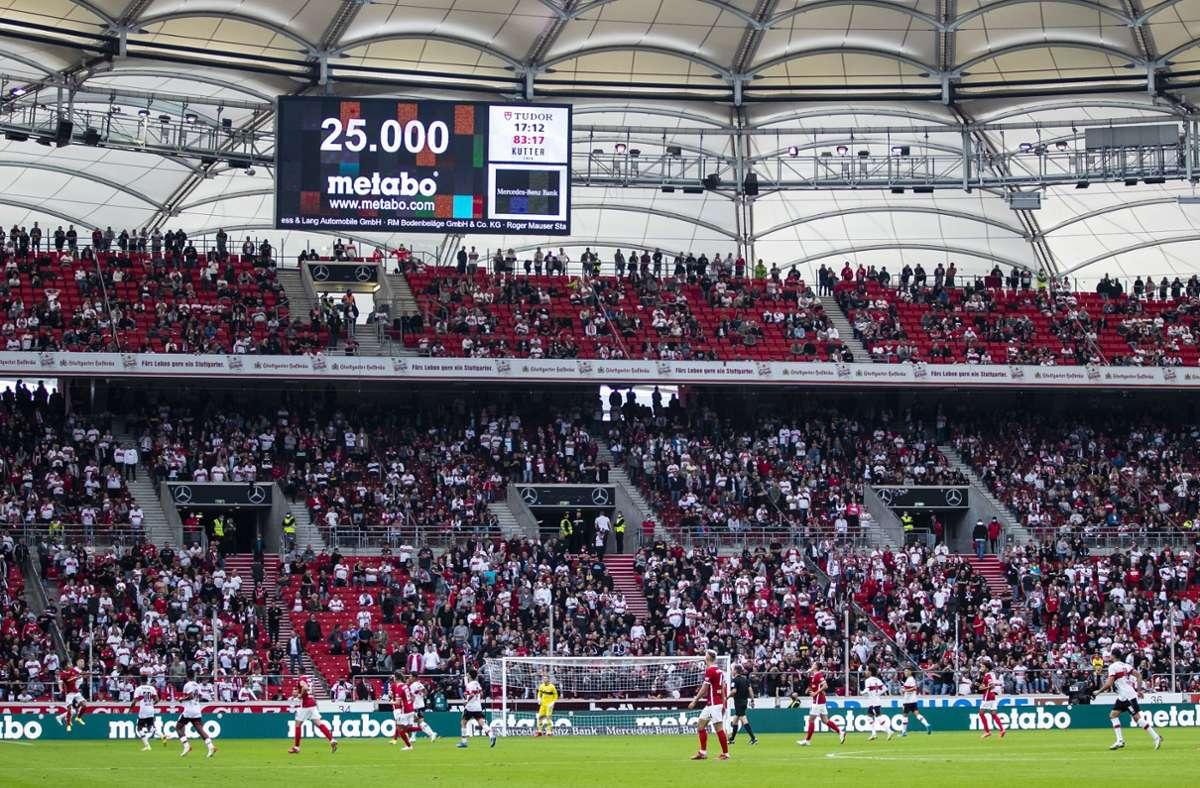 Dieses Bild gehört wohl der Vergangenheit an. Der VfB Stuttgart darf nun mehr als 25000 Eintrittskarten für einen Stadionbesuch verkaufen. Foto: dpa/Tom Weller