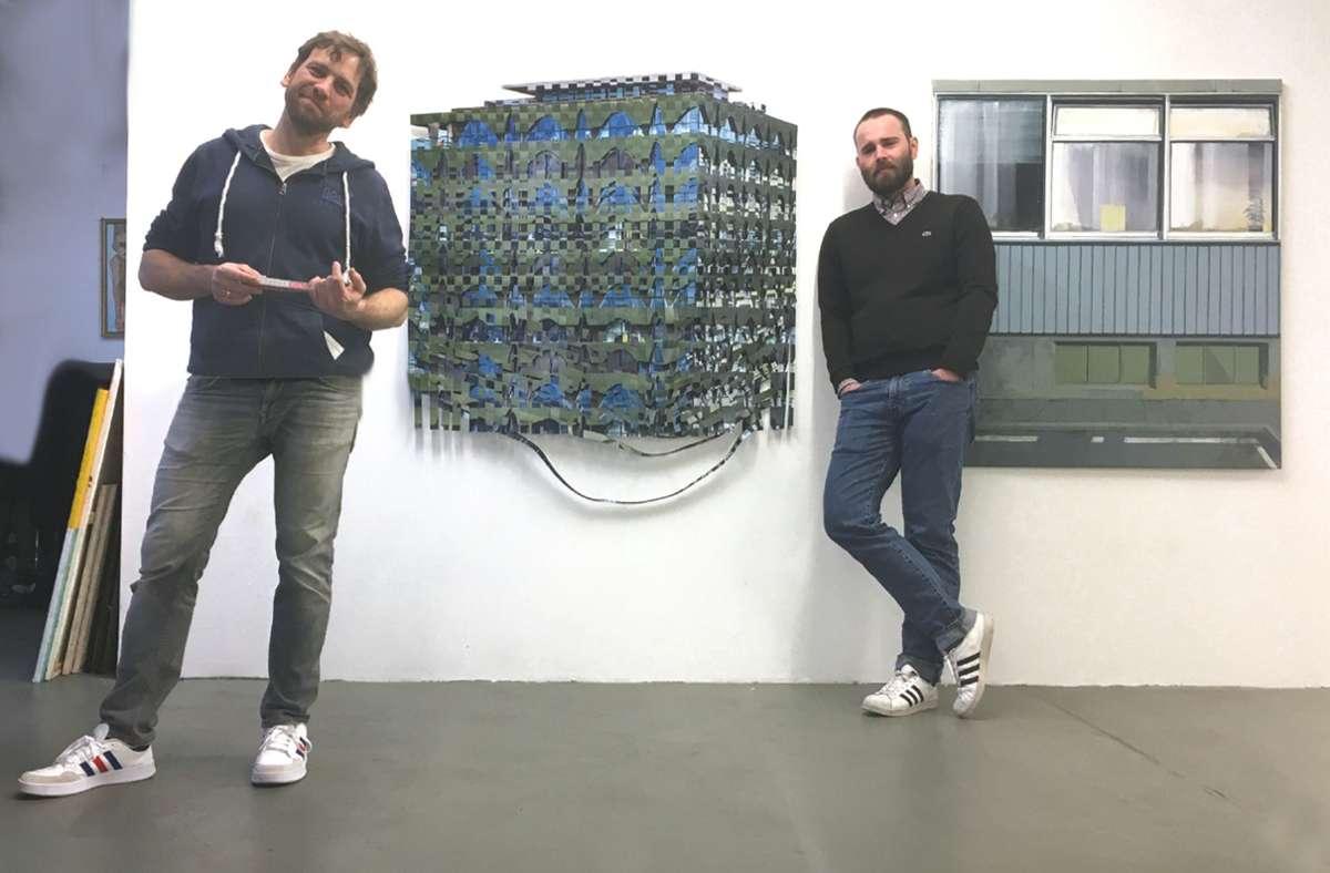 """Die Künstler  Marc Dittrich (links) und Jan Jansen in der Ausstellung """"Stadtwerk"""" in der Stuttgarter Galerie """"Schacher – Raum für Kunst"""" Foto: Schacher/Schacher"""