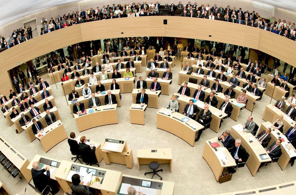 Der Landtag in Stuttgart zählt 143 Abgeordnete – aber nicht alle stellen sich im Frühjahr 2021 wieder zur Wahl. Foto: dpa/Bernd Weissbrod