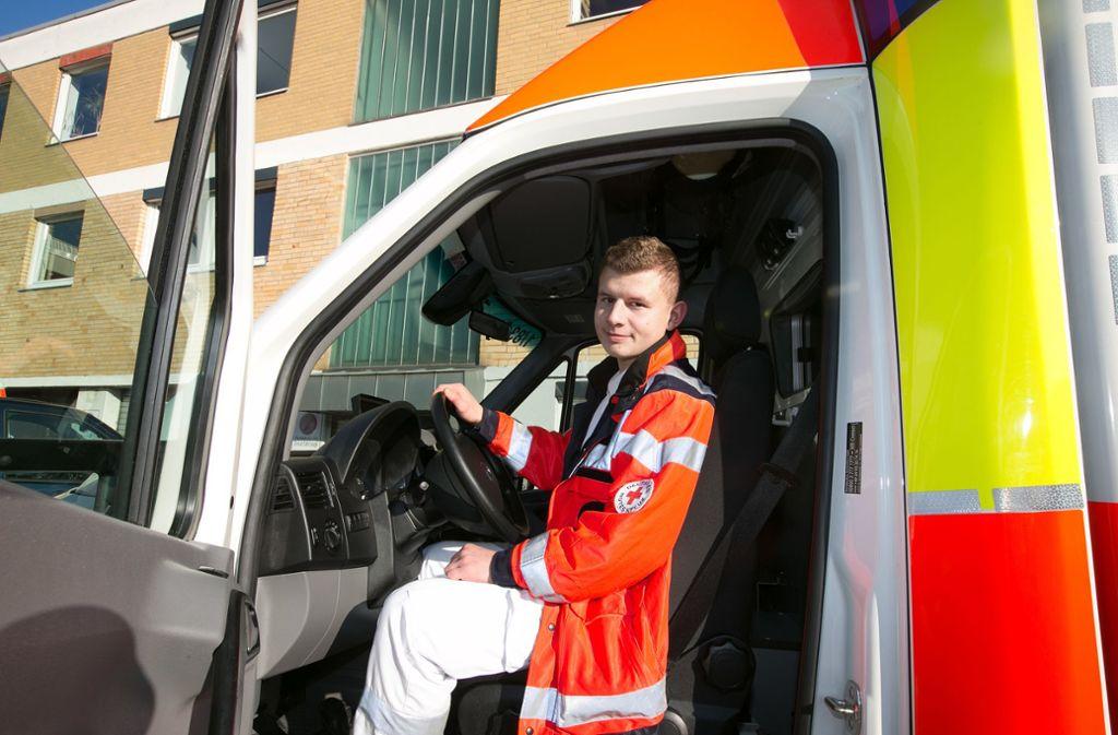 Das Deutsche Rote Kreuz im Kreis Esslingen hat zu wenige  Notfallsanitäter Foto: /Horst Rudel