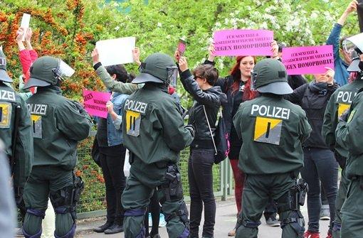 Demo unter Polizeischutz