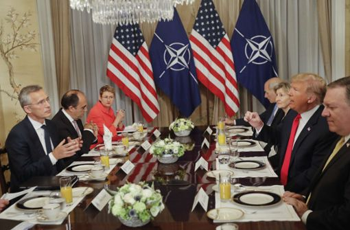 Trump poltert gleich beim Frühstück gegen Deutschland