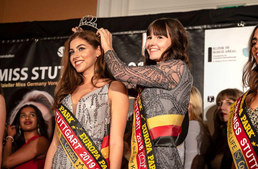 Ein Krönchen für die 21-jährige Naomi Baisch, die neue Miss Stuttgart, Foto: Lichtgut/Julian Rettig