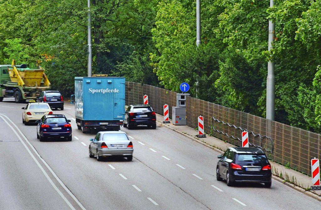 Vorerst bleibt es auf der B14 am Neckartor in Richtung City bei Tempo 50. Foto: Andreas Rosar