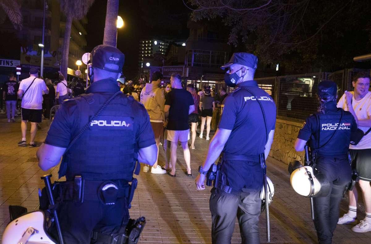 Auf Mallorca werden wohl wieder schärfere Beschränkungen eingeführt. Foto: dpa/Clara Margais