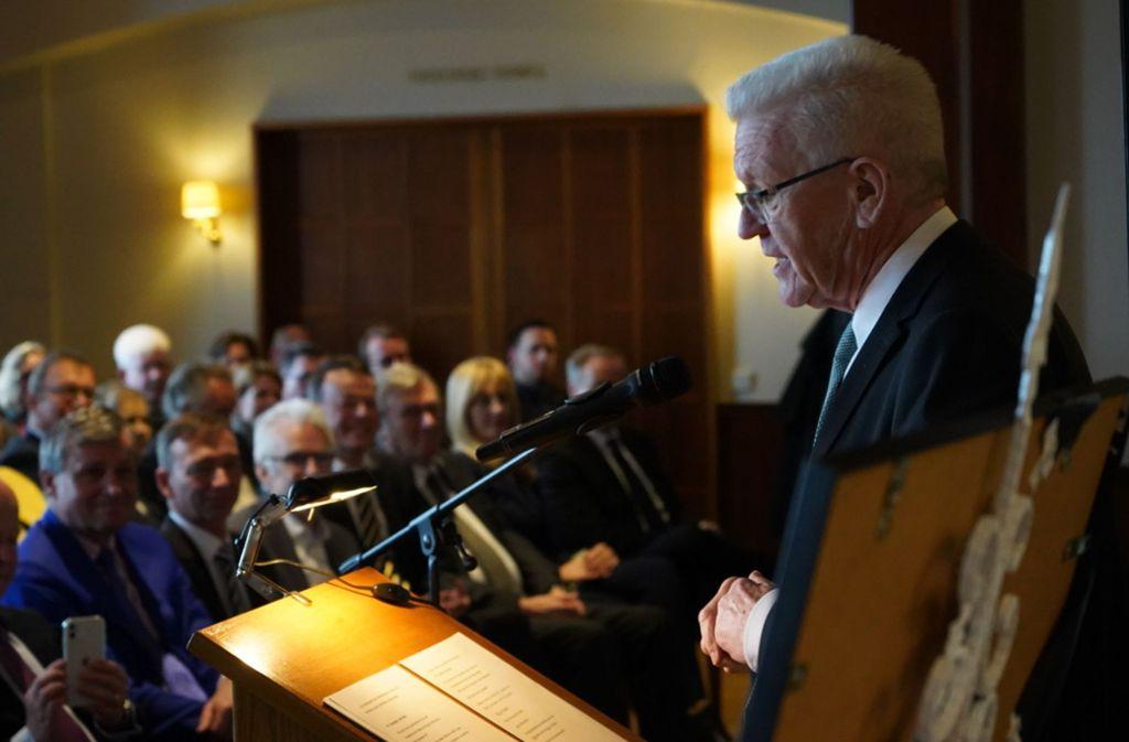 Winfried Kretschmann hielt die Gedenkrede auf den ehemaligen Außenminister und FDP-Vorsitzenden Klaus Kinkel. Foto: FDP BW