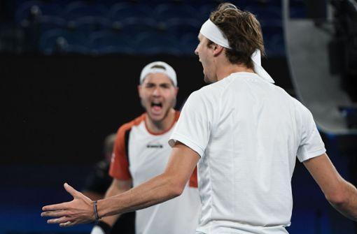 Deutsche Tennis-Herren besiegen Serbien nach Krimi