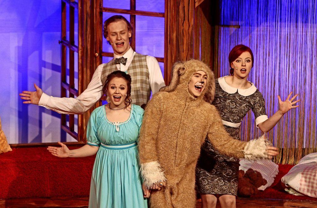 Die lächelnden Gesichter der Darsteller haben sehr viel Wärme in die Leonberger Stadthalle gebracht. Foto: factum/Bach
