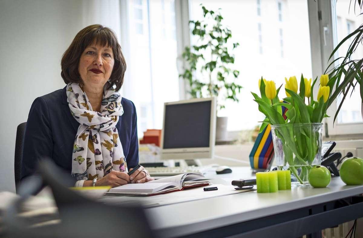 Barbara Koterbicki hat ihr Büro aufgeräumt und freut sich auf die neue Freiheit. Foto: Lichtgut/Max Kovalenko