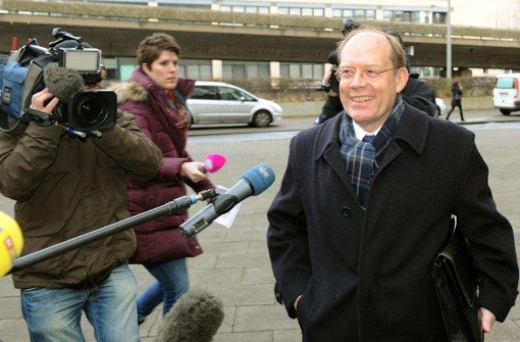 Lothar Hagebölling auf dem Weg zum Glaeseker-Prozess. Foto: dpa