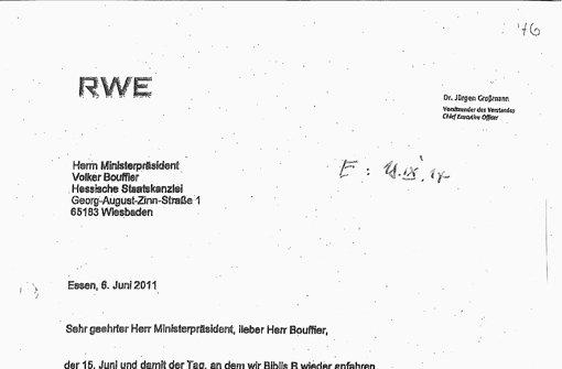 Das Schreiben des RWE-Chefs Großmann an Ministerpräsident Bouffier zeigt,  dass das Kanzleramt an der Kungelei beteiligt  war. Foto:
