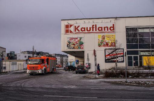 Kaufland wegen Fahrzeugbrands evakuiert