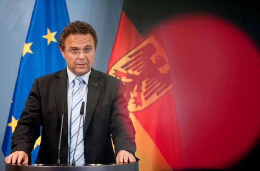 Oberster Dienstherr der Schlapphüte: Bundesinnenminister Friedrich Foto: dpa