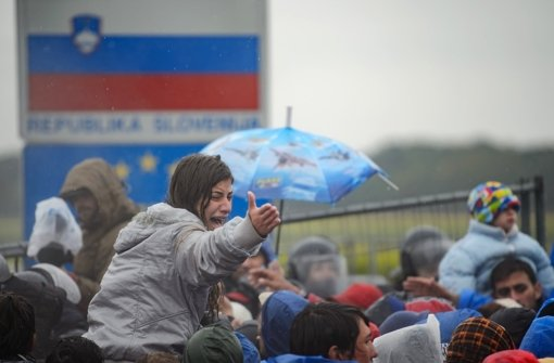 Tausende Flüchtlinge wählen die Balkan-Route