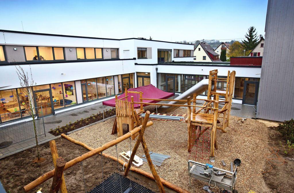 Für Kinder gibt es in dem grundlegend sanierten und erweiterten Martin-Luther-Hof vielfältige Spielmöglichkeiten. Foto: Horst Rudel