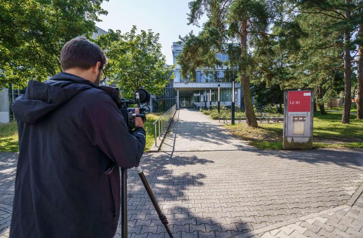 An der TU Darmstadt ermittelt die Polizei nach Vergiftungserscheinungen bei mehreren Menschen. Foto: dpa/Frank Rumpenhorst