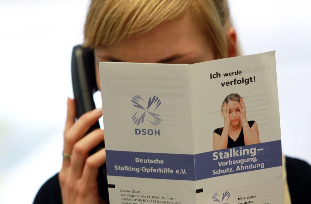 Stalking bedeutet für die Betroffenen eine große Belastung. Foto: dpa