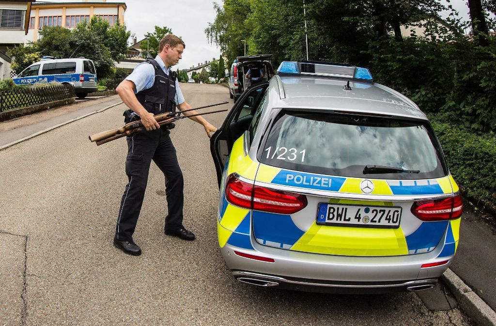 Im Haus fanden die Polizisten zwei Luftdruckwaffen. Foto: KS-Images.de