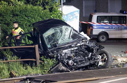 16-Jährige stirbt bei Bahn-Unfall –  Ermittlungen zu offener Schranke