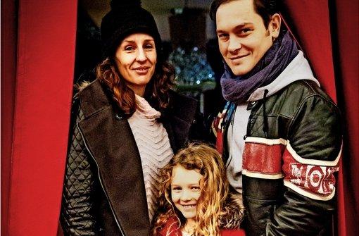 Die beiden US-amerikanischen Trapezkünstler Blaze  Birge und David Jones alias Daring Jones mit   ihrer  sieben Jahre alten Tochter  Jacy. Foto: Lichtgut/Achim Zweygarth