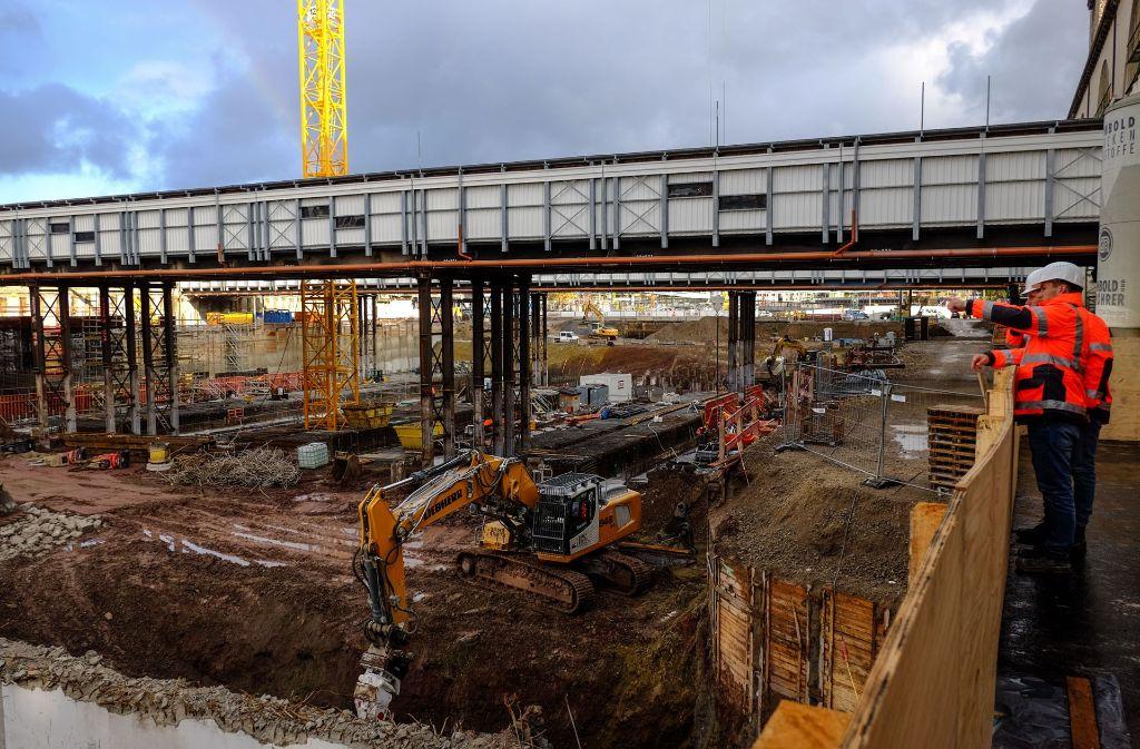 Die Baustelle für den neuen Tiefbahnhof wird die Bahn AG und die Stuttgarter noch länger beschäftigen. Foto: Lichtgut/Max Kovalenko