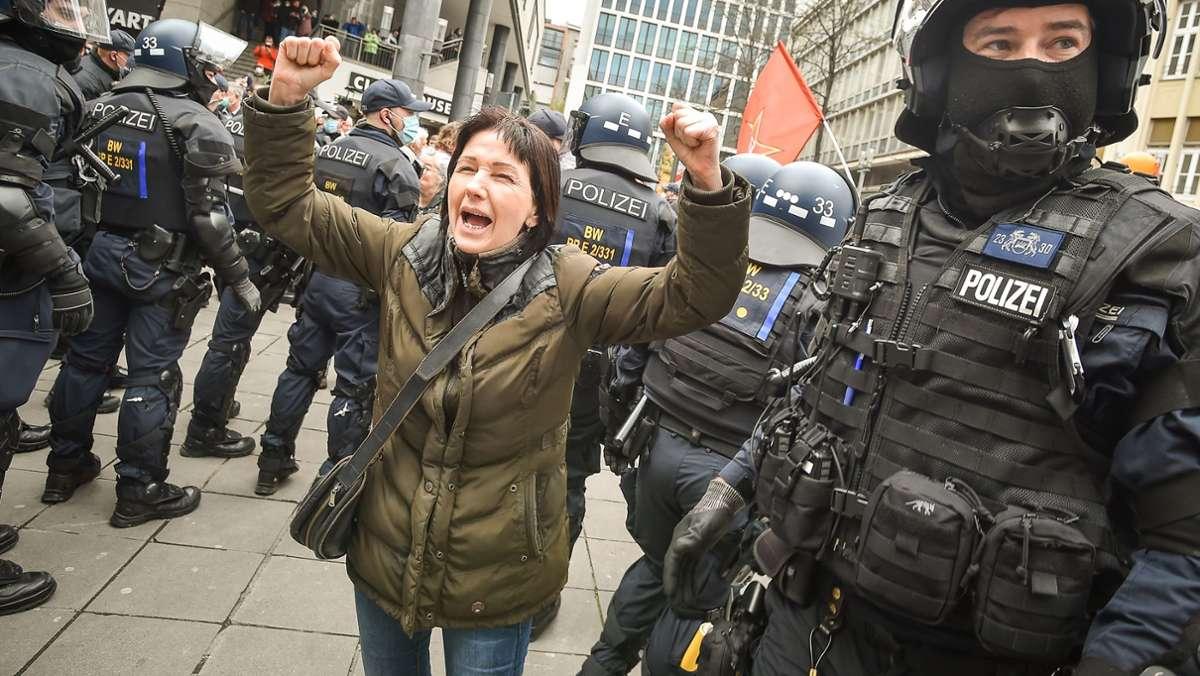 Trotz Verbots erneut Protest gegen Corona-Maßnahmen in der Stadt