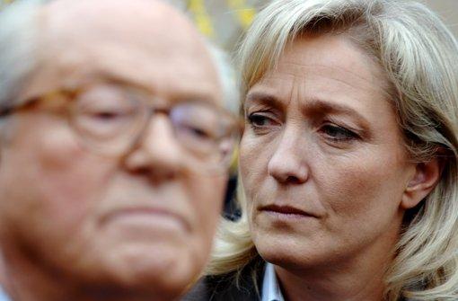 Marine Le Pen und ihr Vater haben sich nichts mehr zu sagen. Sie reden nur noch bereinander  und finden dabei nur bse Worte. Foto: AFP