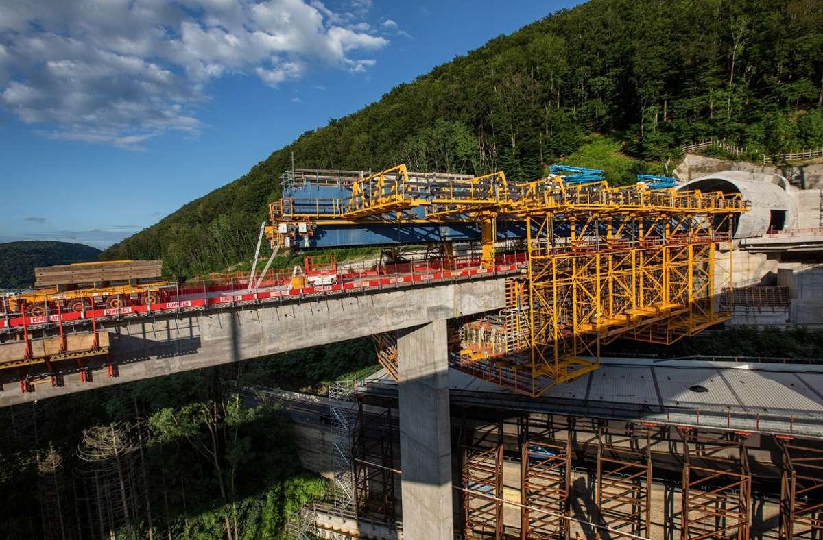 Die Filstalbrücke schwebt in 85 Metern Höhe. Von oben hat man einen tollen Ausblick. Foto: Horst Rudel/Horst Rudel