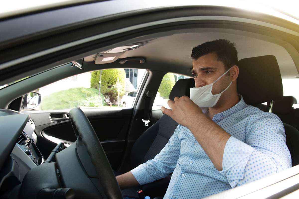 Was tun bei der Hitze? Foto: Dogan Kutukcu / shutterstock.com