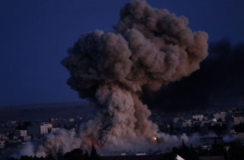 Die Angriffe auf Kobane gehen unvermindert weiter.  Foto: EPA