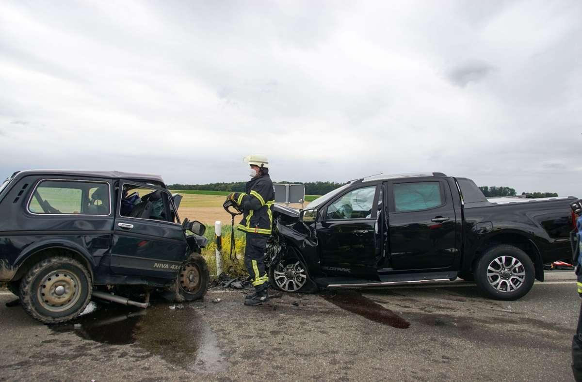 Ein Mann kam bei dem Unfall ums Leben, zwei Frauen wurden schwer verletzt. Foto: dpa/Dettenmeyer