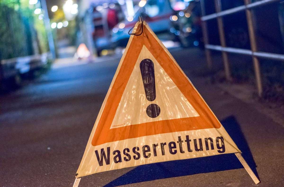 Das DLRG barg die Frau aus dem Wagen, konnte aber nichts mehr für sie tun. (Symbolfoto) Foto: 7aktuell.de/Nils Reeh/www.7aktuell.de/Nils Reeh