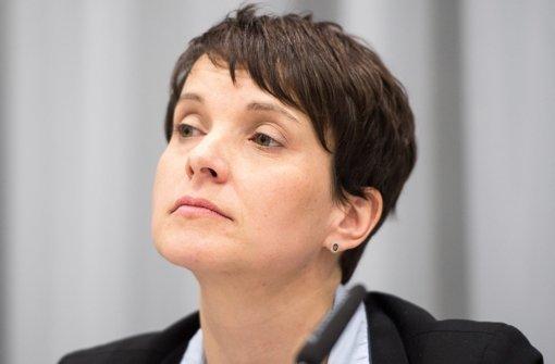 Frauke Petry  sagt, als kleine Partei müsse man auch mal provozieren, um durchzudringen. Foto: dpa
