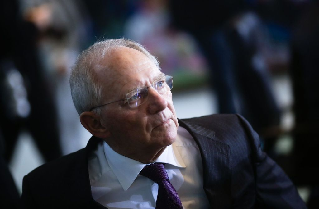 Finanzminister Wolfgang Schäuble ist qua Amt auch für die Kleingartenanlagen in Bundesbesitz zuständig. Foto: AP