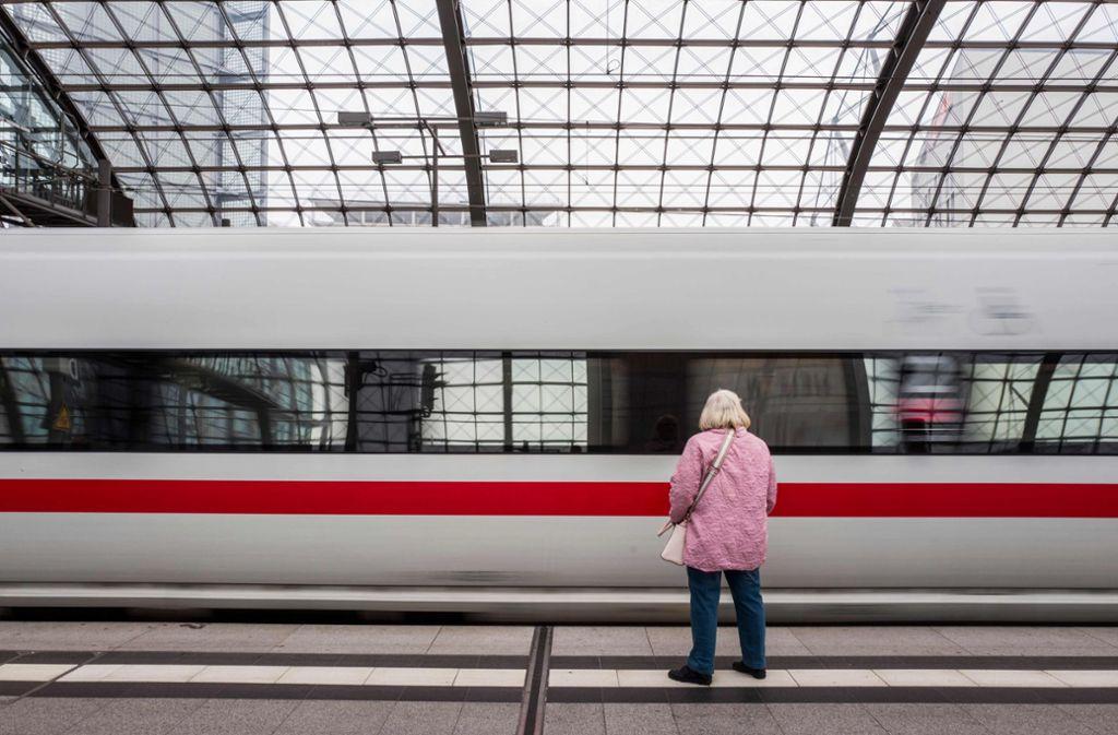 Drohen Bahnfahrern demnächst Streiks? Foto: AFP