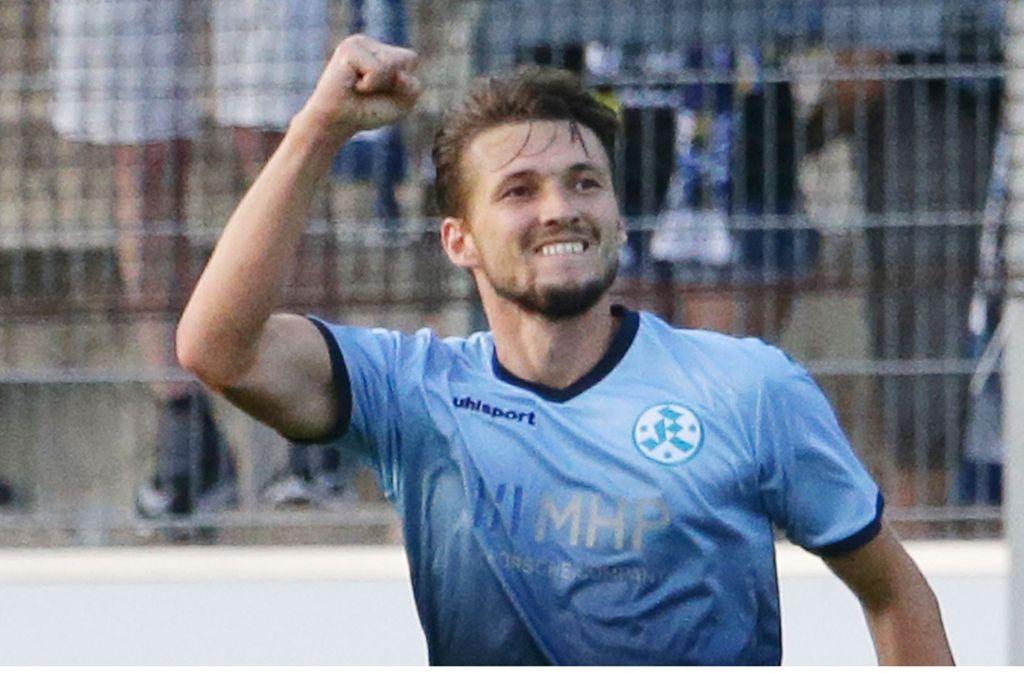 Stürmer Mijo Tunjic beim Torjubel: Darauf hoffen die Kickers-Fans 2018. Foto: Baumann