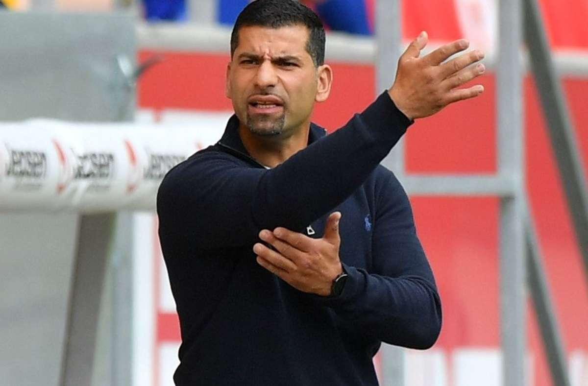 Dimitrios Grammozis wird neuer Trainer bei Schalke 04. Foto: dpa/Sebastian Widmann