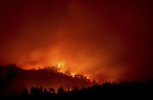 25 Tote und 110 Vermisste bei Flächenbränden
