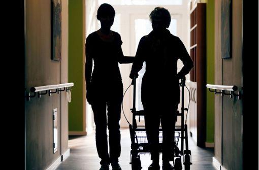 Faire Löhne für die Altenpflege