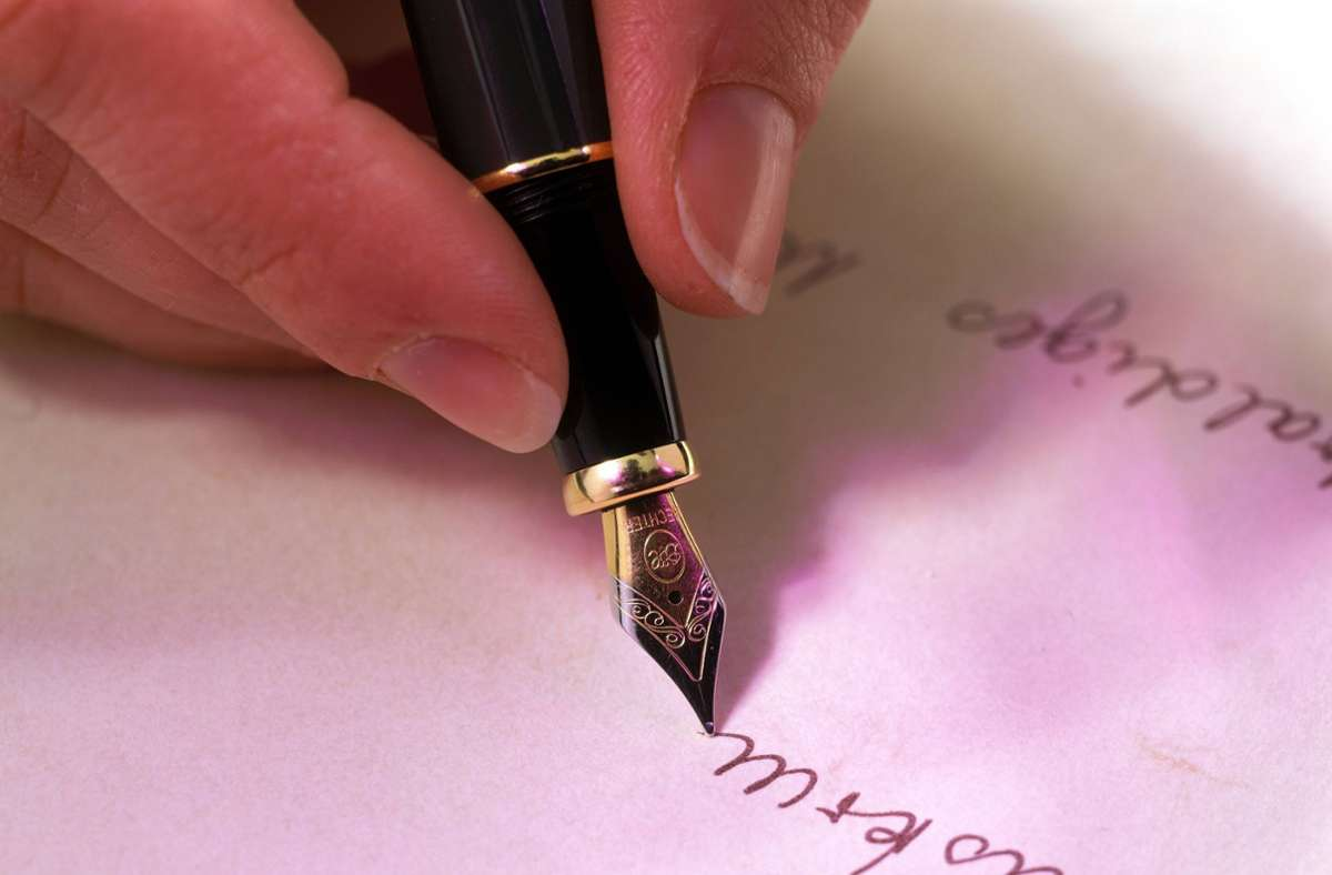 Wer künftig mit einem anderen Namen unterschreiben möchte, braucht dafür einen triftigen Grund. Foto: imago/Weiss