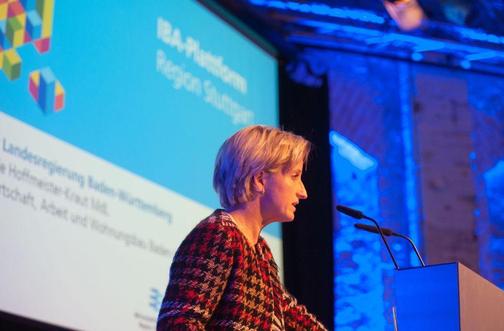 Den Worten Taten – und Geld – folgen lassen: Wirtschaftsministerin Nicole Hoffmeister-Kraut auf einer IBA-Veranstaltung. Foto: Lichtgut/Oliver Willikonsky