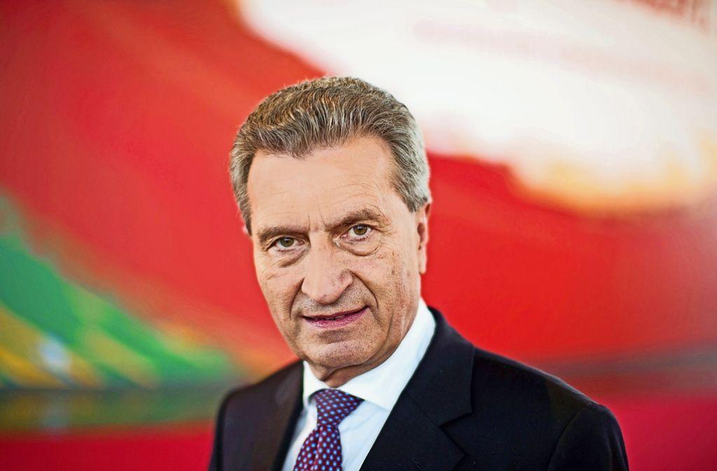Der ehemalige baden-württembergische Ministerpräsident Günther Oettinger übernimmt in der EU-Kommission neue Aufgaben. Foto: dpa