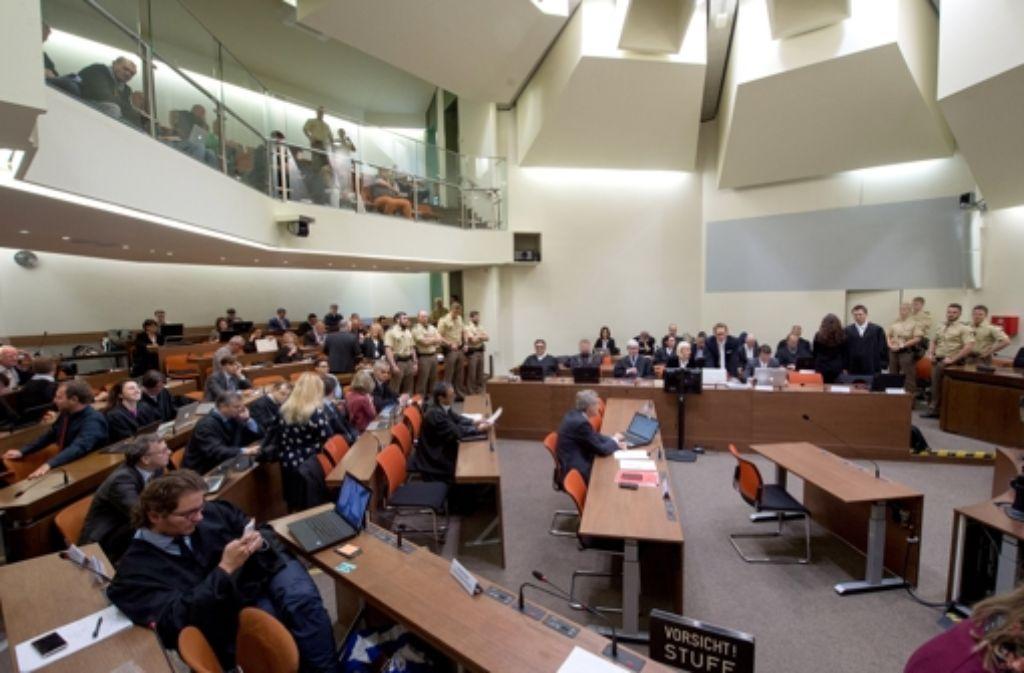 Der NSU-Prozess in München ist am Mittwoch mit einem weiteren Befangenheitsantrag gegen das Gericht fortgesetzt worden. (Archivfoto) Foto: dpa